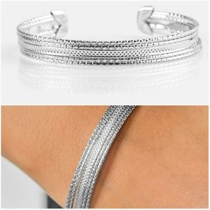 HIGH FASHION SILVER CUFF BRACELET